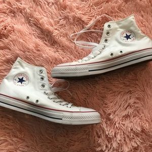BRAND NEW CLASSIC WHITE HIGH TOP CONVERSES